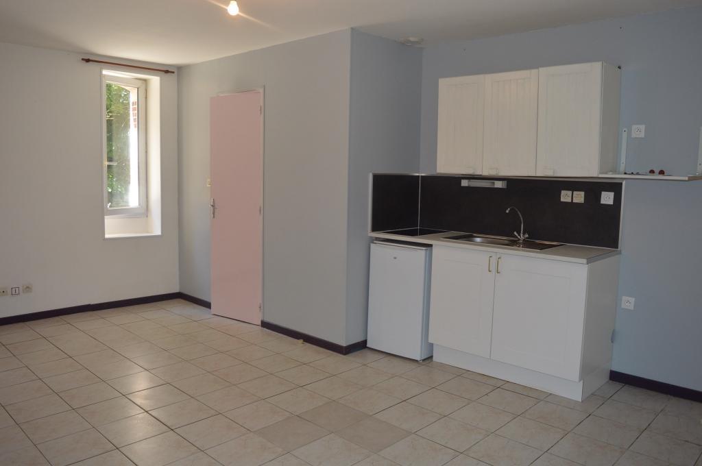 location d 39 appartement t2 de particulier angers 425 35 m. Black Bedroom Furniture Sets. Home Design Ideas
