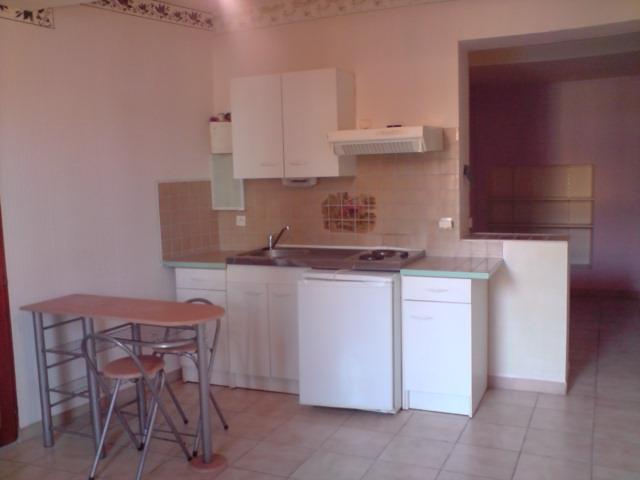 De particulier à particulier, appartement, de 32m² à Uchaux