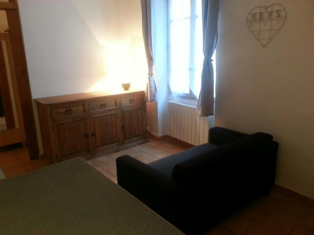 Location de particulier à particulier, studio, de 25m² à Saint-Chamas