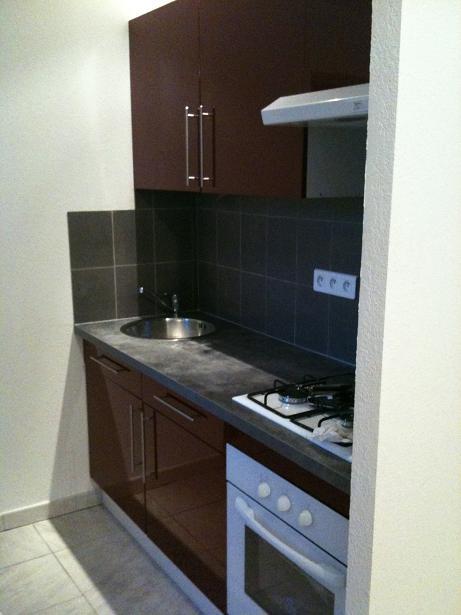 location d 39 appartement t2 de particulier particulier tarascon 465 45 m. Black Bedroom Furniture Sets. Home Design Ideas