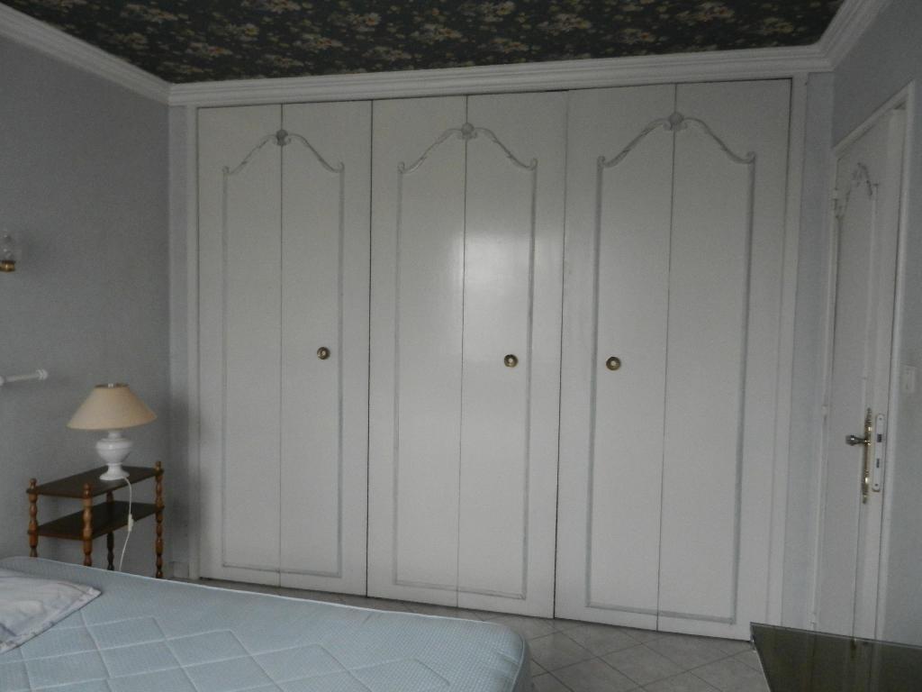 location de chambre meubl e entre particuliers toulouse 400 18 m. Black Bedroom Furniture Sets. Home Design Ideas