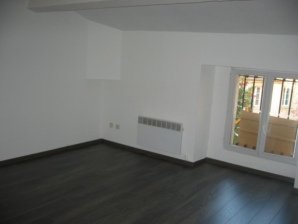 Particulier location, appartement, de 64m² à Meynes