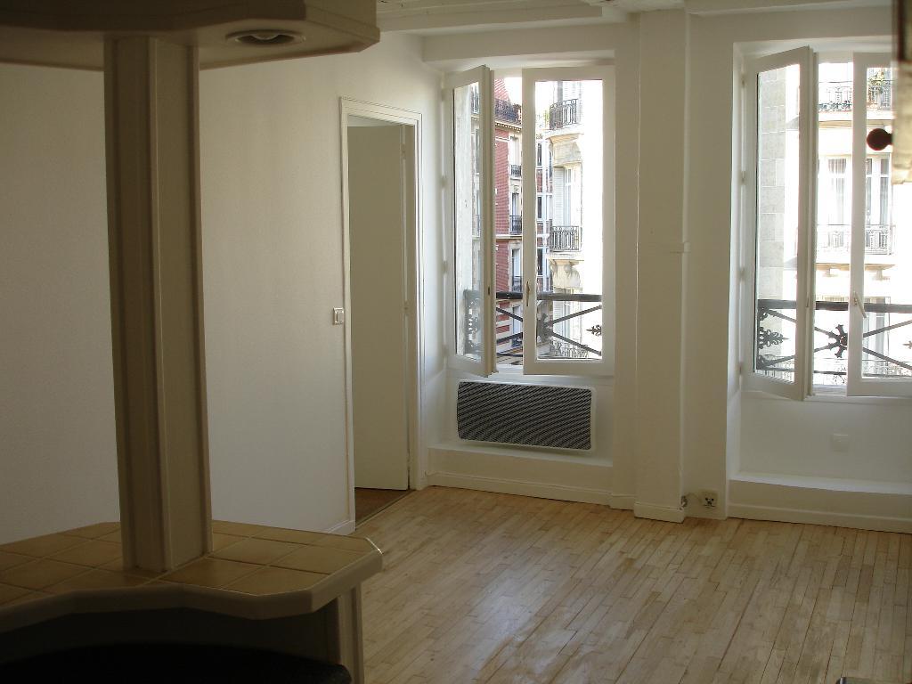 Location d 39 appartement t2 de particulier particulier paris 75015 940 30 m - Quincaillerie paris 15 ...