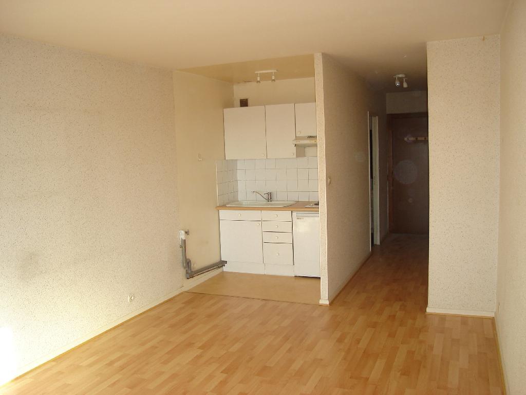 location de t1 sans frais d 39 agence belfort 395 32 m. Black Bedroom Furniture Sets. Home Design Ideas