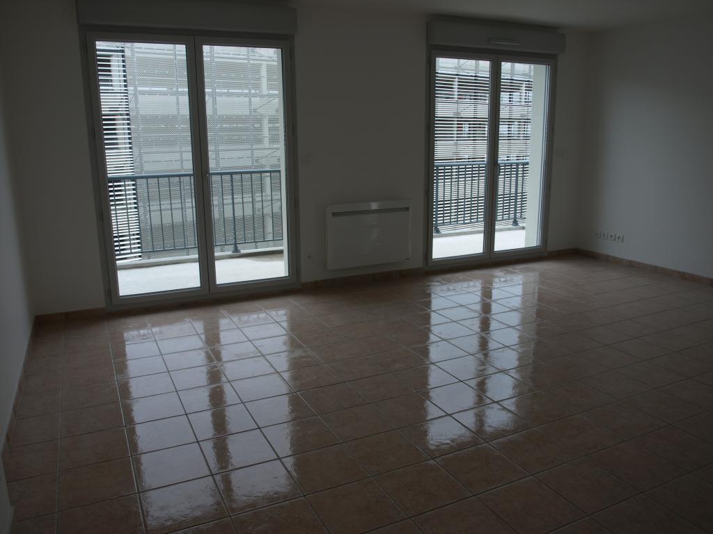 location d 39 appartement entre particuliers reims 1035 88 m. Black Bedroom Furniture Sets. Home Design Ideas