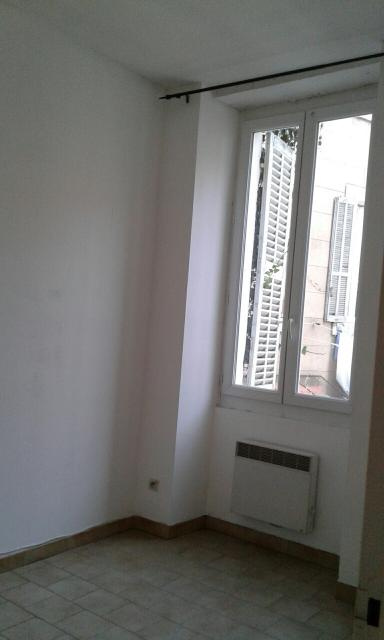 Location appartement T2 Marseille 05 - Photo 3