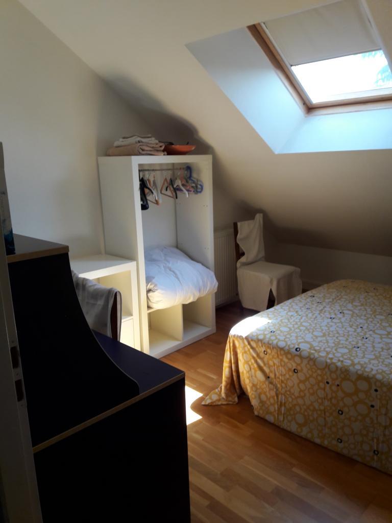 chambres louer dijon 18 offres location de chambres. Black Bedroom Furniture Sets. Home Design Ideas