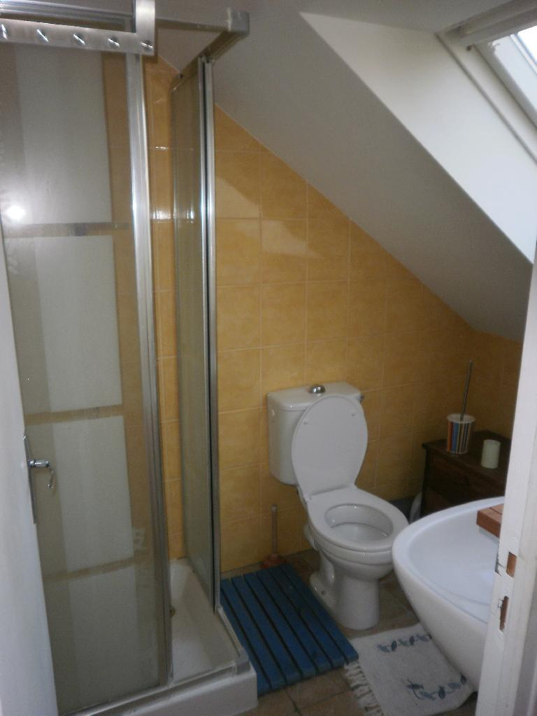 studio de 15m2 louer sur cergy location appartement. Black Bedroom Furniture Sets. Home Design Ideas
