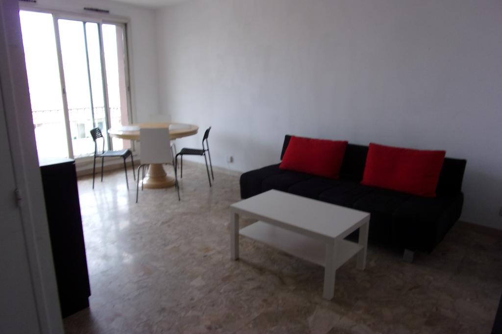 Location d 39 appartement t1 meubl entre particuliers for Location studio meuble marseille
