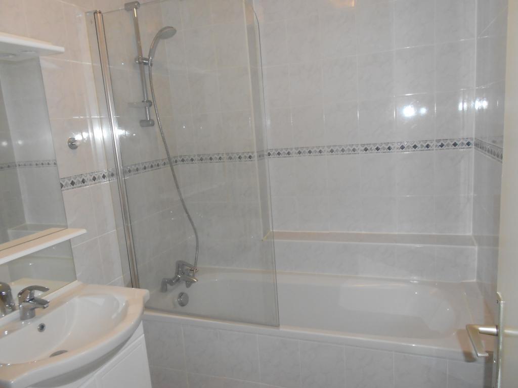 location d 39 appartement t3 de particulier particulier tours 680 64 m. Black Bedroom Furniture Sets. Home Design Ideas