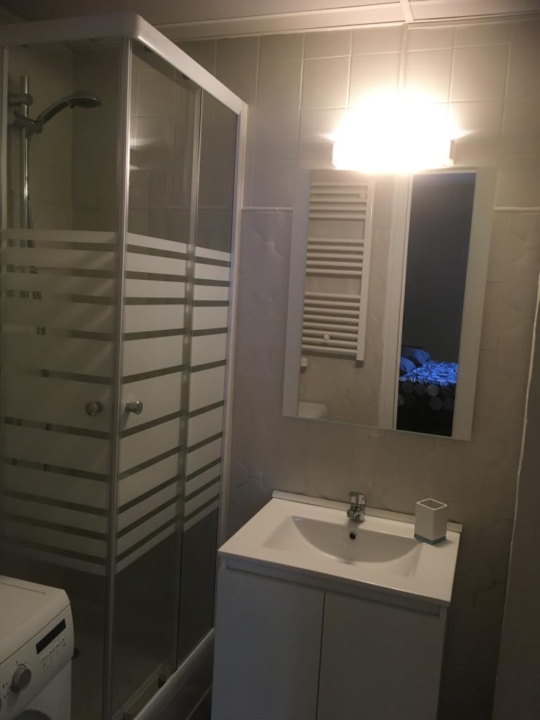 location de studio meubl entre particuliers bordeaux 580 31 m. Black Bedroom Furniture Sets. Home Design Ideas