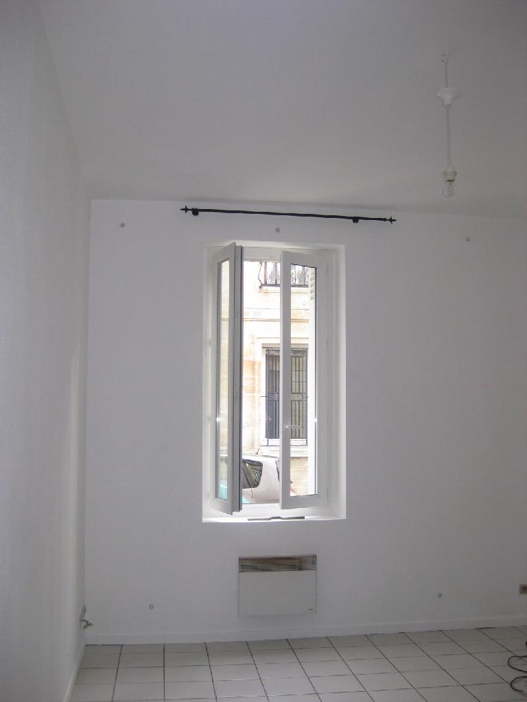 location d 39 appartement t2 entre particuliers bordeaux 580 34 m. Black Bedroom Furniture Sets. Home Design Ideas