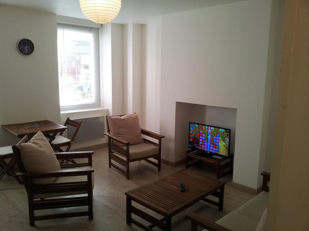 location d 39 appartement t2 meubl sans frais d 39 agence cherbourg octeville 490 36 m. Black Bedroom Furniture Sets. Home Design Ideas