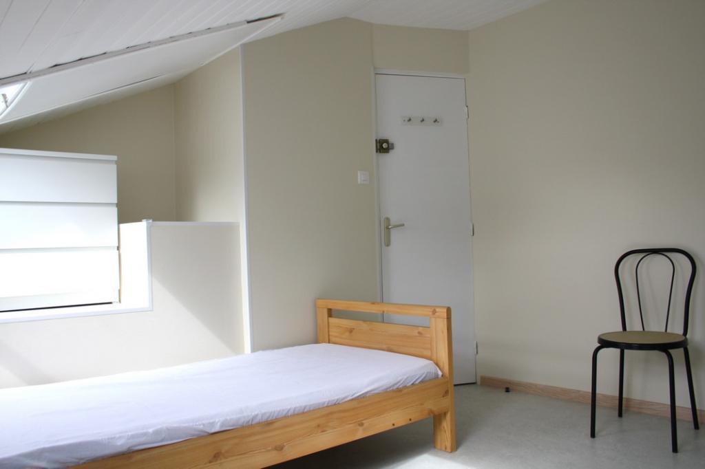 location de chambre meubl e de particulier particulier reims 290 12 m. Black Bedroom Furniture Sets. Home Design Ideas