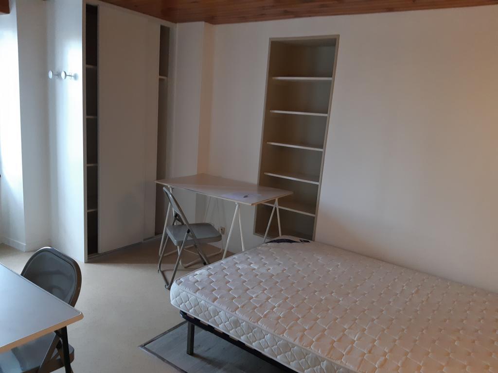 Appartement particulier à Poitiers, %type de 20m²
