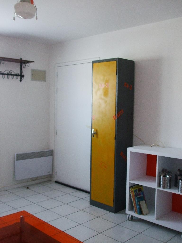 Location de studio meubl entre particuliers la rochelle 550 20 m - Studio meuble la rochelle ...