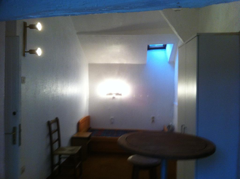 location de studio meubl de particulier bayonne 230 17 m. Black Bedroom Furniture Sets. Home Design Ideas