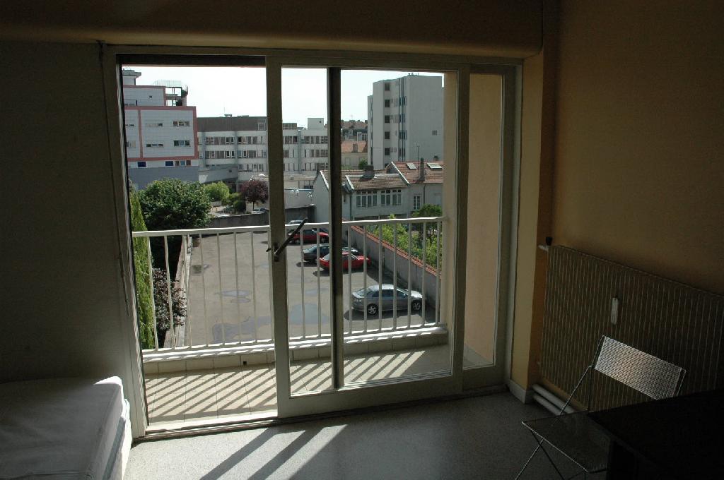 location de studio meubl de particulier nancy 440 30 m. Black Bedroom Furniture Sets. Home Design Ideas