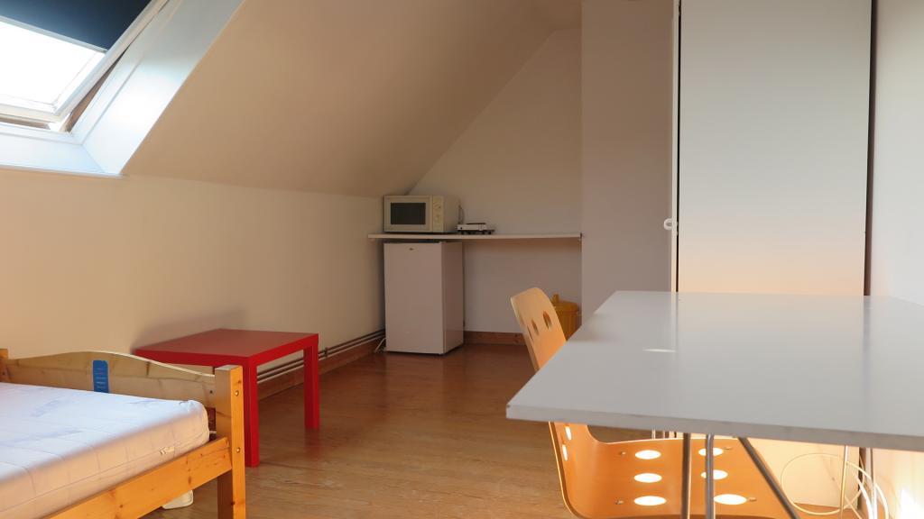 Appartement particulier, chambre, de 12m² à Bacouel-sur-Selle