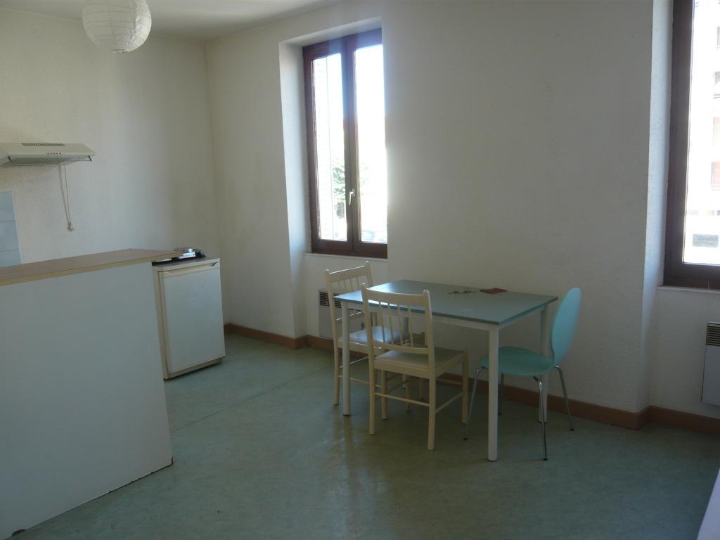 Location appartement par particulier, studio, de 28m² à Châteauvilain