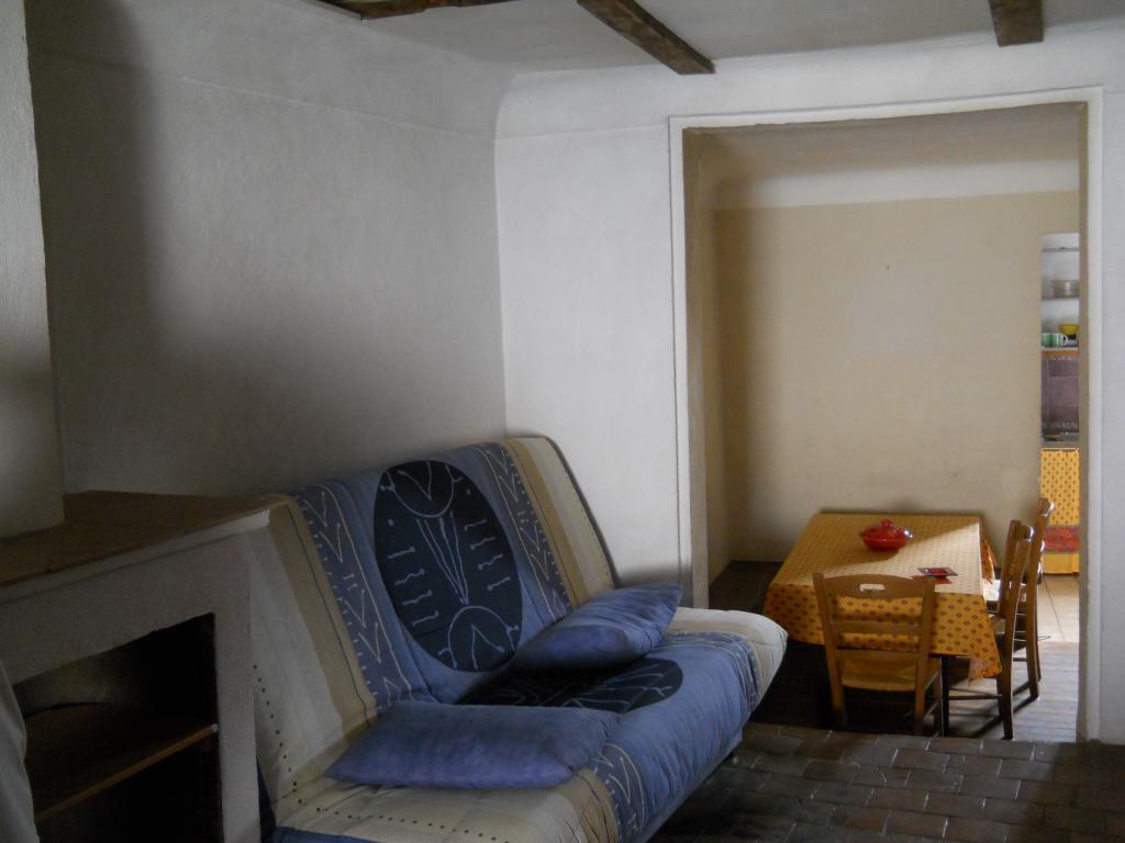 Location particulier, appartement, de 60m² à Évenos