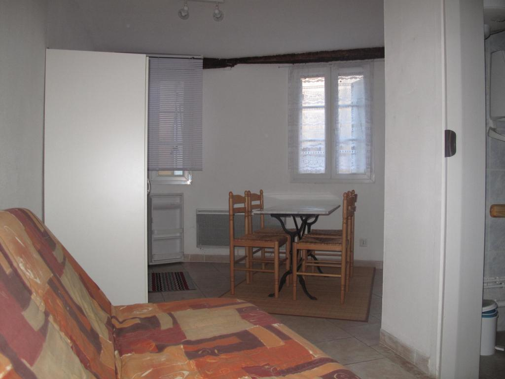 location de studio meubl de particulier castres 333 15 m. Black Bedroom Furniture Sets. Home Design Ideas