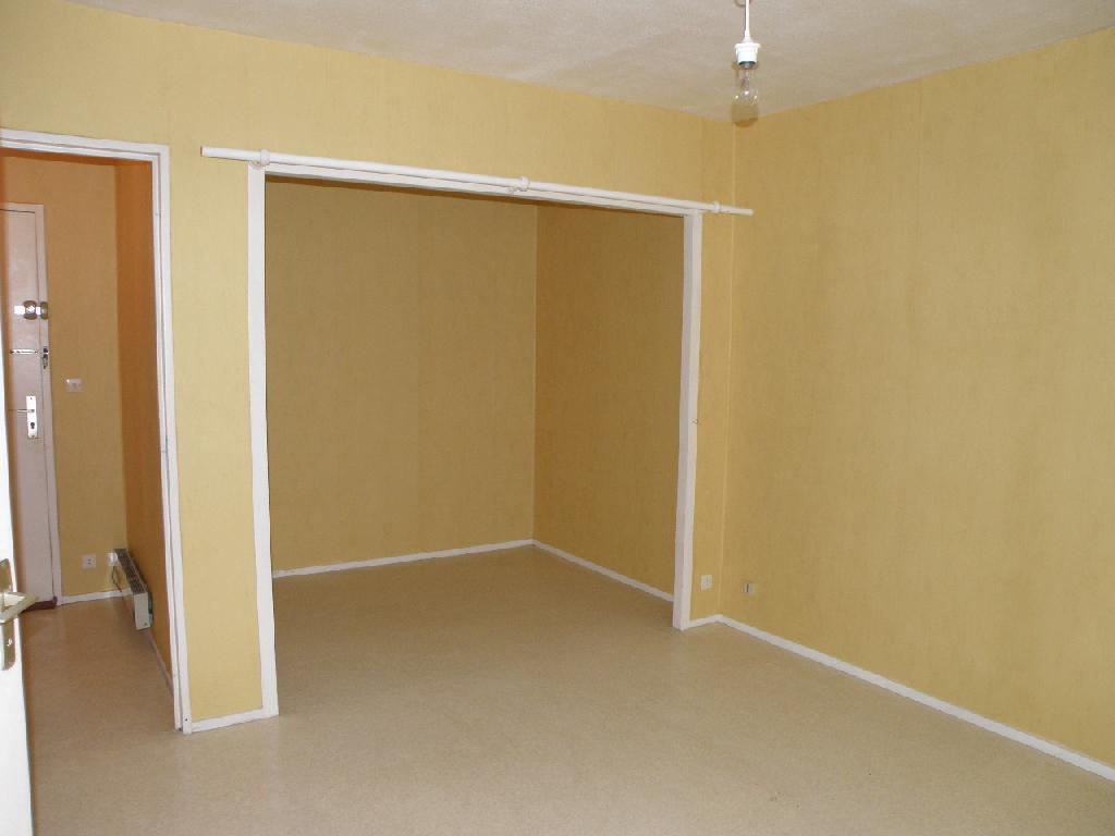 Location d 39 appartement t1 de particulier particulier for Location bureau pau 64