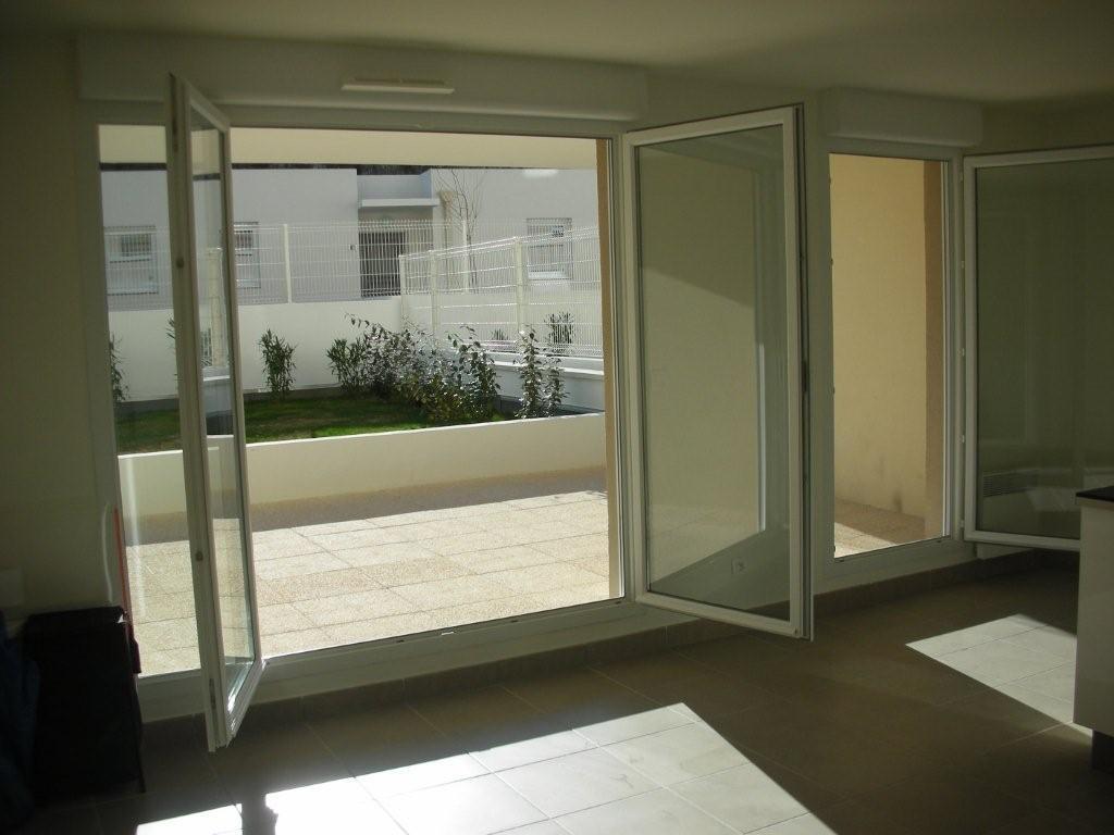 location d 39 appartement t3 de particulier particulier marseille 13008 1160 64 m. Black Bedroom Furniture Sets. Home Design Ideas