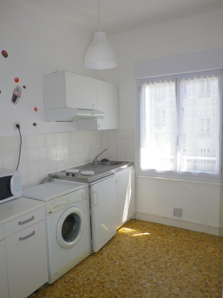Location d 39 appartement t2 sans frais d 39 agence brest for Location meuble brest