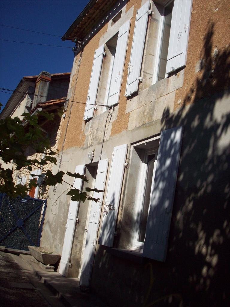 Entre particulier à Saint-Sulpice-de-Roumagnac, maison, de 65m² à Saint-Sulpice-de-Roumagnac