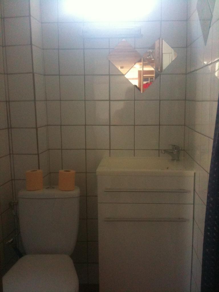 location de studio meubl de particulier particulier besancon 400 15 m. Black Bedroom Furniture Sets. Home Design Ideas
