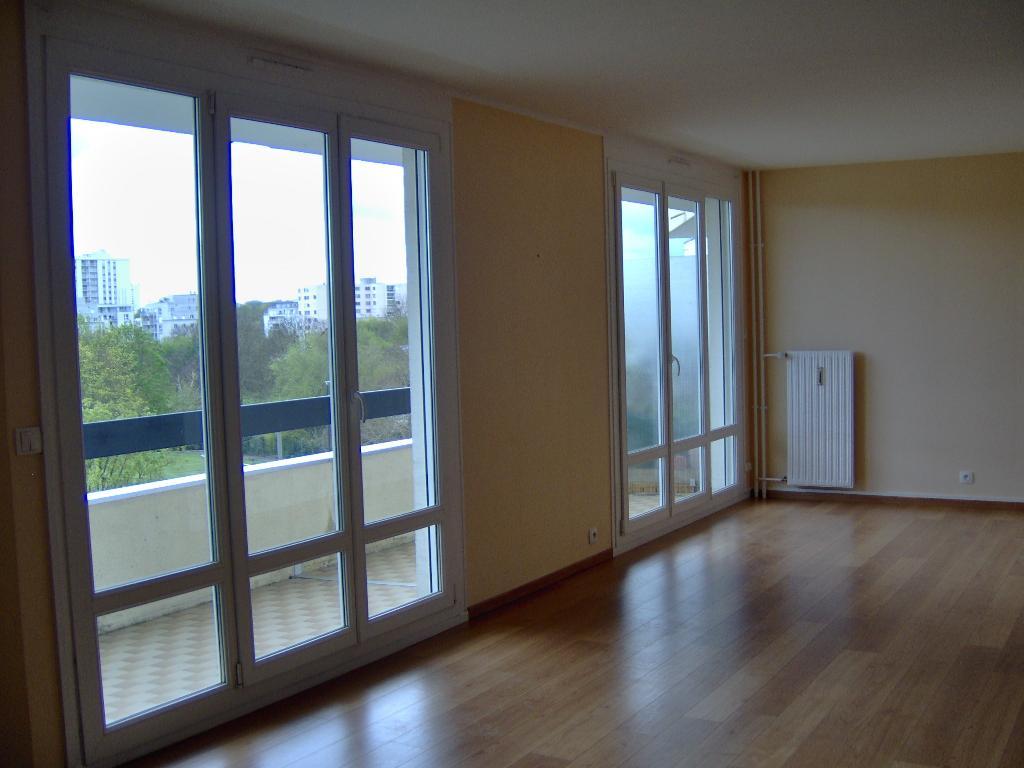 location d 39 appartement t5 de particulier particulier reims 970 94 m. Black Bedroom Furniture Sets. Home Design Ideas