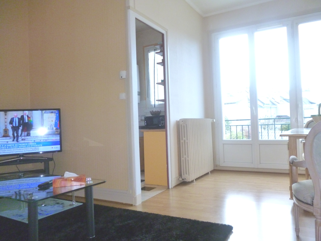 location appartement orleans de particulier particulier. Black Bedroom Furniture Sets. Home Design Ideas