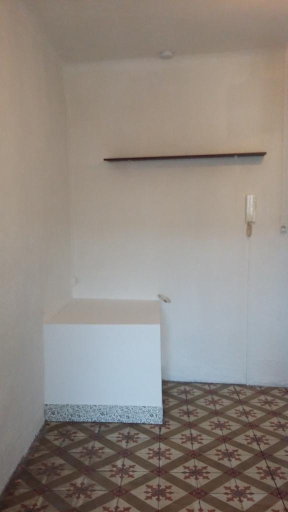location appartement par particulier studio de 20m n mes location appartement. Black Bedroom Furniture Sets. Home Design Ideas