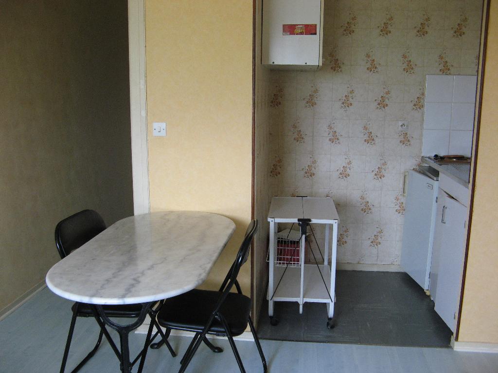 location de particulier dans les pyrnes atlantiques 64. Black Bedroom Furniture Sets. Home Design Ideas