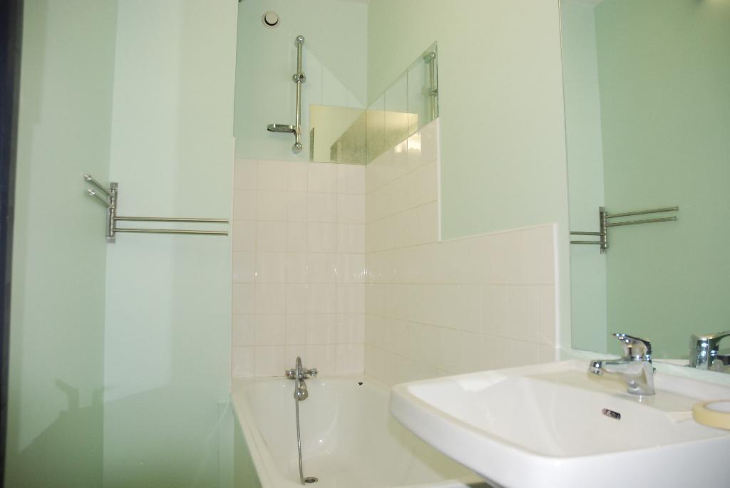 Location de studio meubl de particulier nancy 430 for Location meuble nancy