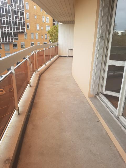 location d 39 appartement t2 entre particuliers lyon 69007 700 41 m. Black Bedroom Furniture Sets. Home Design Ideas