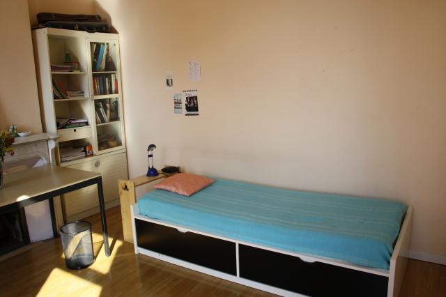 location chambre marseille 06 particulier. Black Bedroom Furniture Sets. Home Design Ideas
