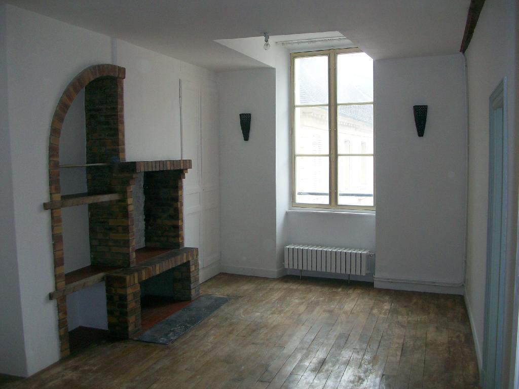 Entre particulier , appartement, de 62m² à Clairoix