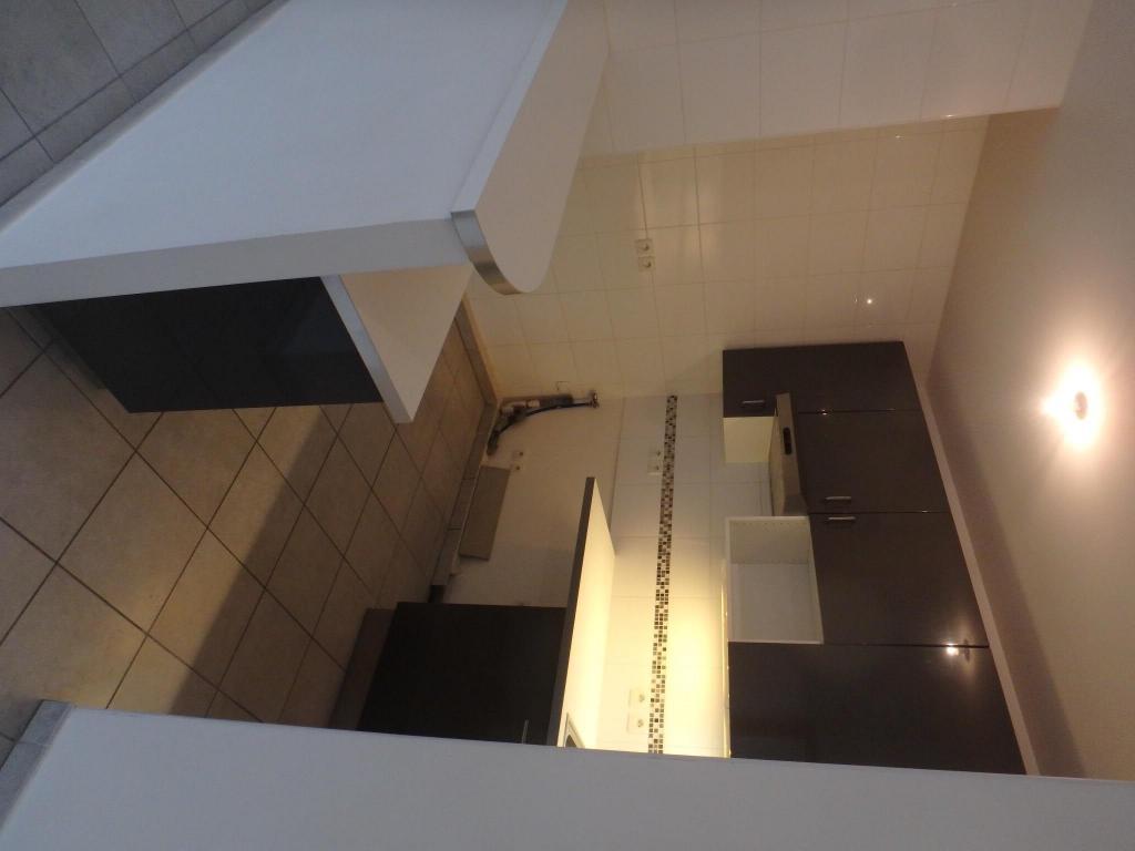 location d 39 appartement t2 de particulier villeurbanne 850 46 m. Black Bedroom Furniture Sets. Home Design Ideas