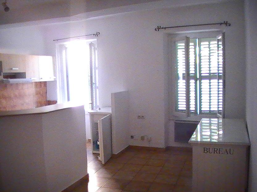 Appartement particulier à Villecroze, %type de 50m²