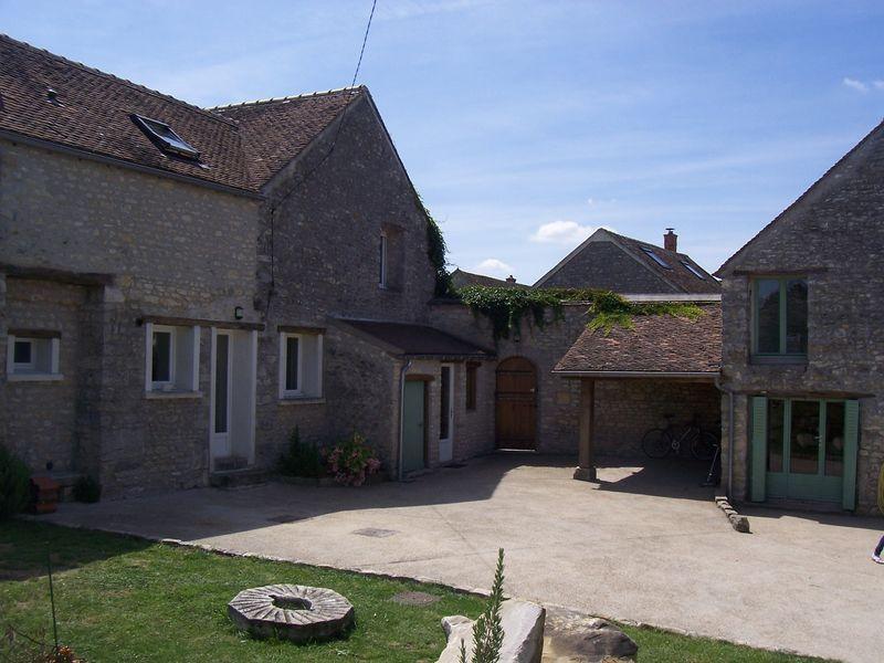 Location de particulier à particulier à Larchant, appartement maison de 145m²
