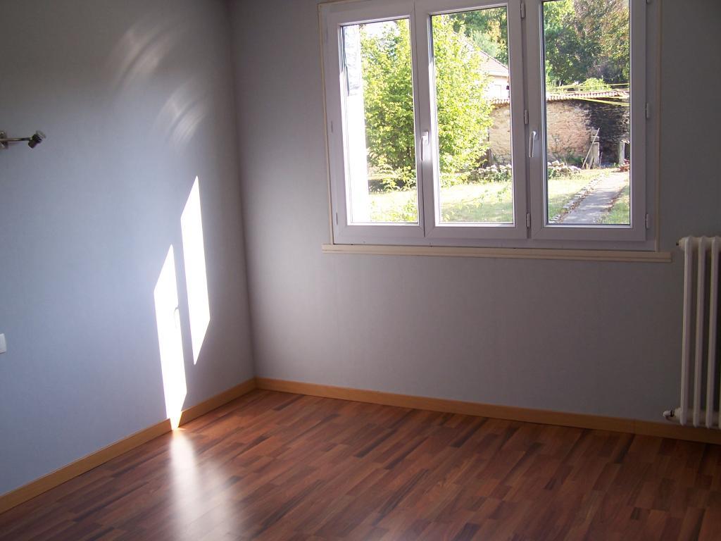 location de maison f4 de particulier particulier. Black Bedroom Furniture Sets. Home Design Ideas