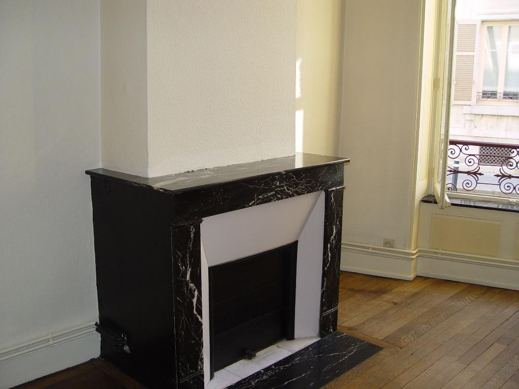 Location d 39 appartement t3 entre particuliers nancy 590 for Location appartement atypique nancy