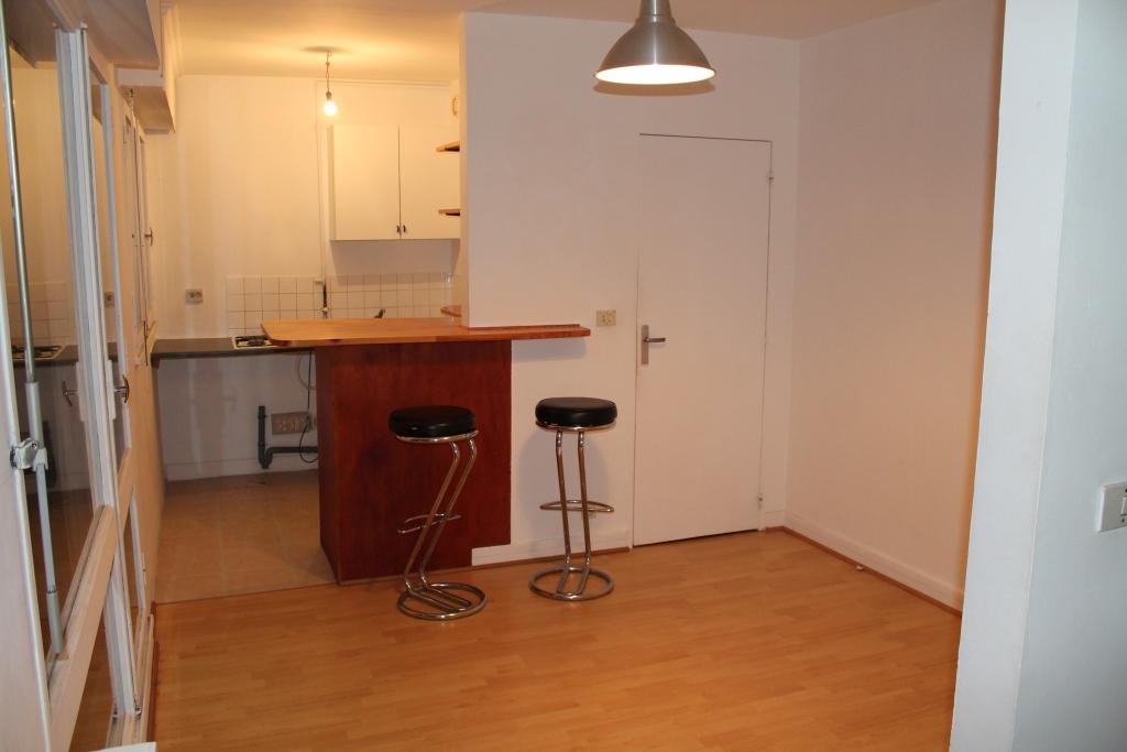 De particulier à particulier, studio à Ville-d'Avray, 28m²