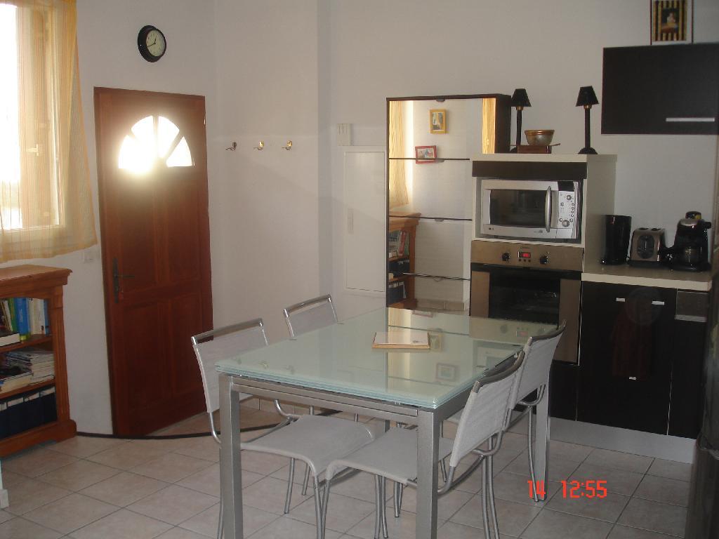 Location d 39 appartement t3 de particulier particulier for Combien coute une cuisine equipee