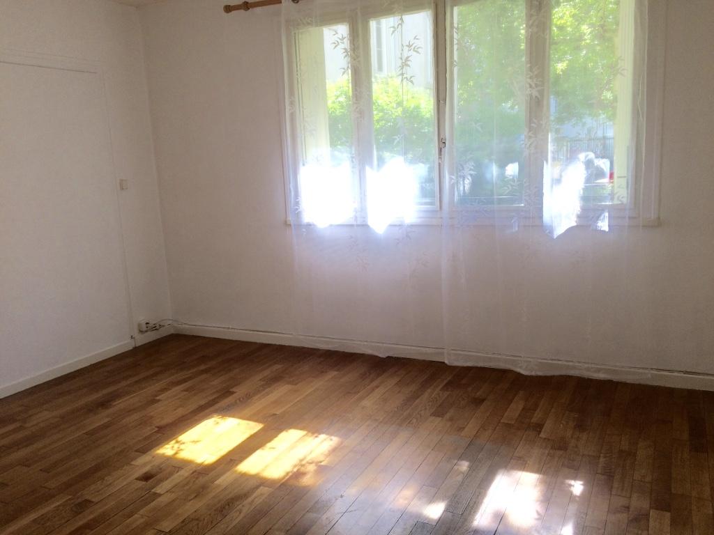 location d 39 appartement t4 sans frais d 39 agence dijon 650 63 m. Black Bedroom Furniture Sets. Home Design Ideas