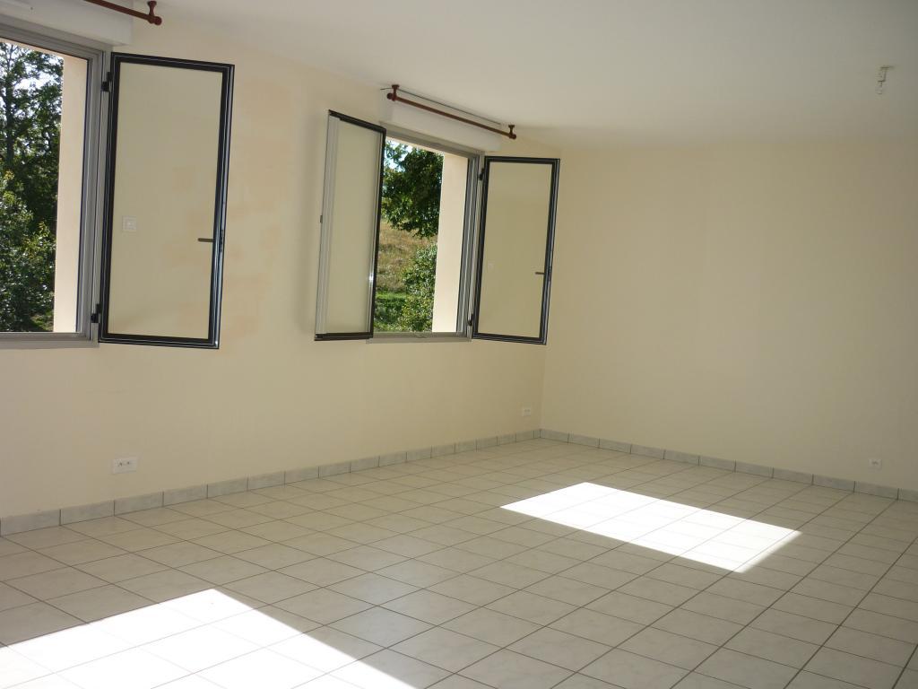 Location de particulier à particulier à Aynac, appartement appartement de 77m²