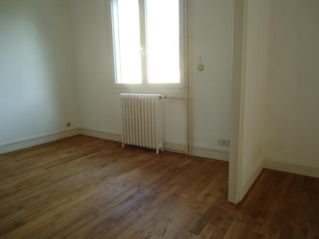 Location de maison f6 meubl e entre particuliers fleury for Location maison loiret 45