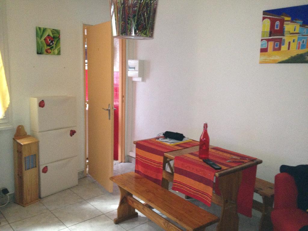 location d 39 appartement t2 sans frais d 39 agence besancon 390 27 m. Black Bedroom Furniture Sets. Home Design Ideas